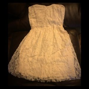 Hollister cream lace strapless dress Size S